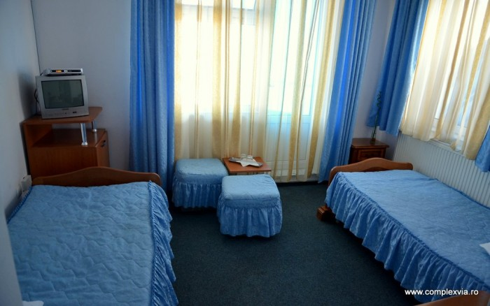 Cazare in Targu Mures in camera dubla eleganta cu mic dejun inclus la Complex Via Hotel usor de gasit pe harta Tg Mures, chiar la intrare in oras