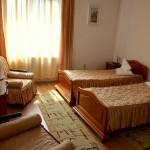 Cazare in Targu Mures in camera dubla cu mic dejun inclus la Complex Via Hotel usor de gasit pe harta Tg Mures