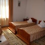 Cazare in Targu Mures cu caldura in camera dubla cu mic dejun inclus la Complex Via (Hotel-Motel-Pensiune)