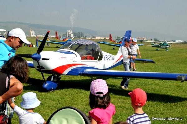 www.complexvia.ro Mitingaviatic Targu Mures, Complex Via sprijina copii!