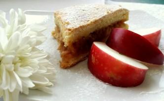 Prajitura cu mere la Restaurant Via