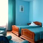 camera albastra www.complexvia.ro cazare Targu Mures