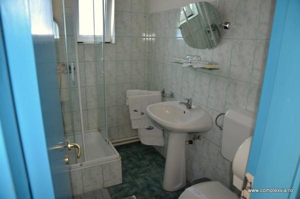 Cazare in Targu Mures cu baie curata la www.complexvia.ro